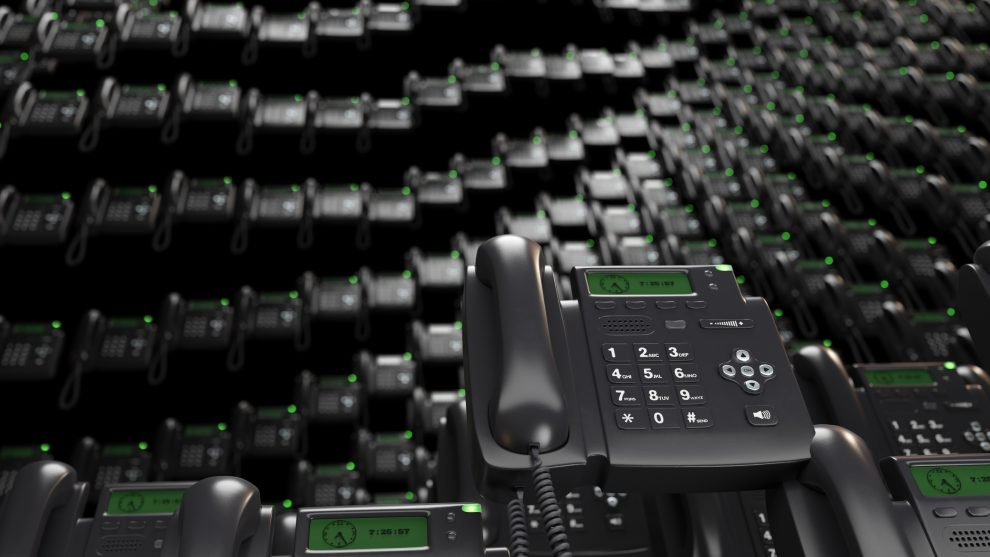 What to Consider When Selecting a Hosted PBX Vendor